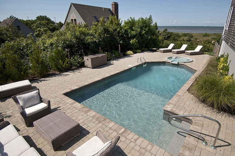 Picking the Perfect Pool Paver