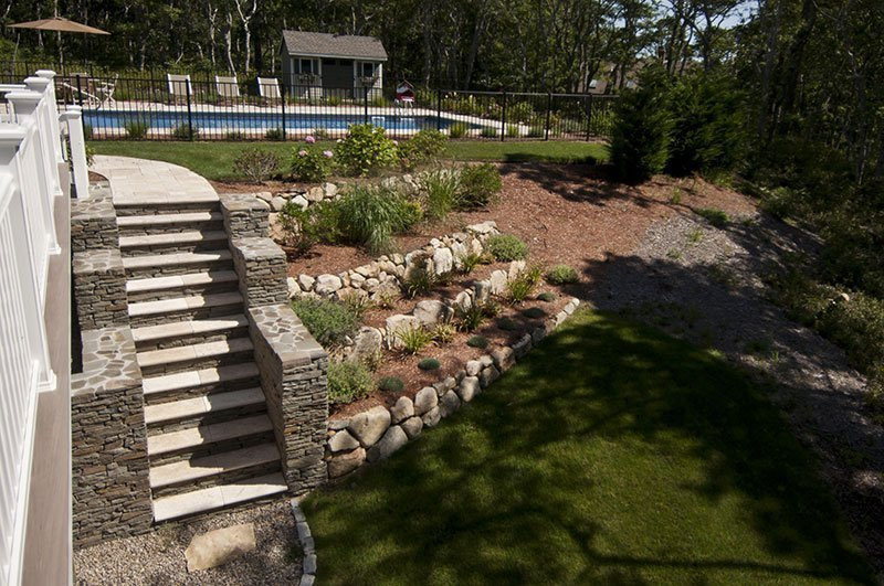 Perfect Plantings to Add Poolside